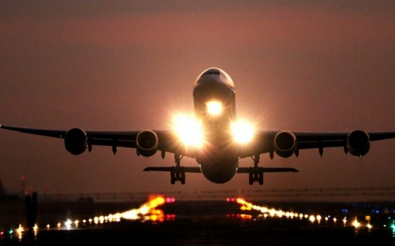 Crisis support to aviation and the right to retrain